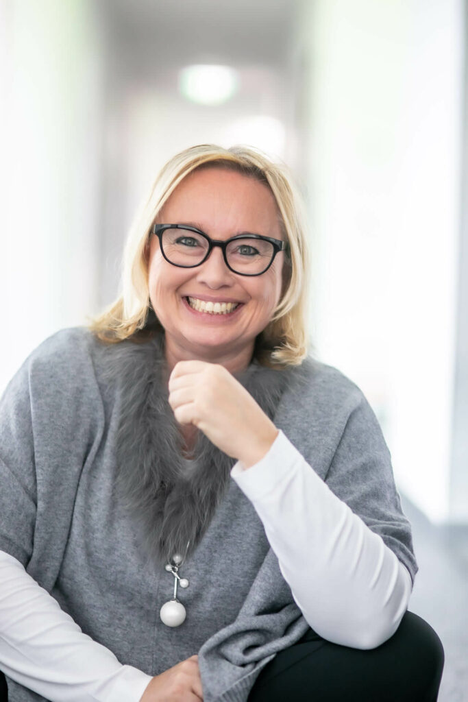 Frau Mag. Andrea Starzer MBA - Leitung HR & Recruiting bei Promomasters